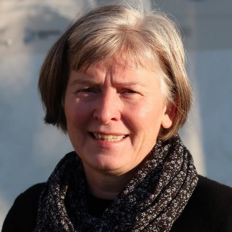 https://www.glascampus.de/wp-content/uploads/2020/04/Portrait_MargitMüller_quadr_klein.jpg