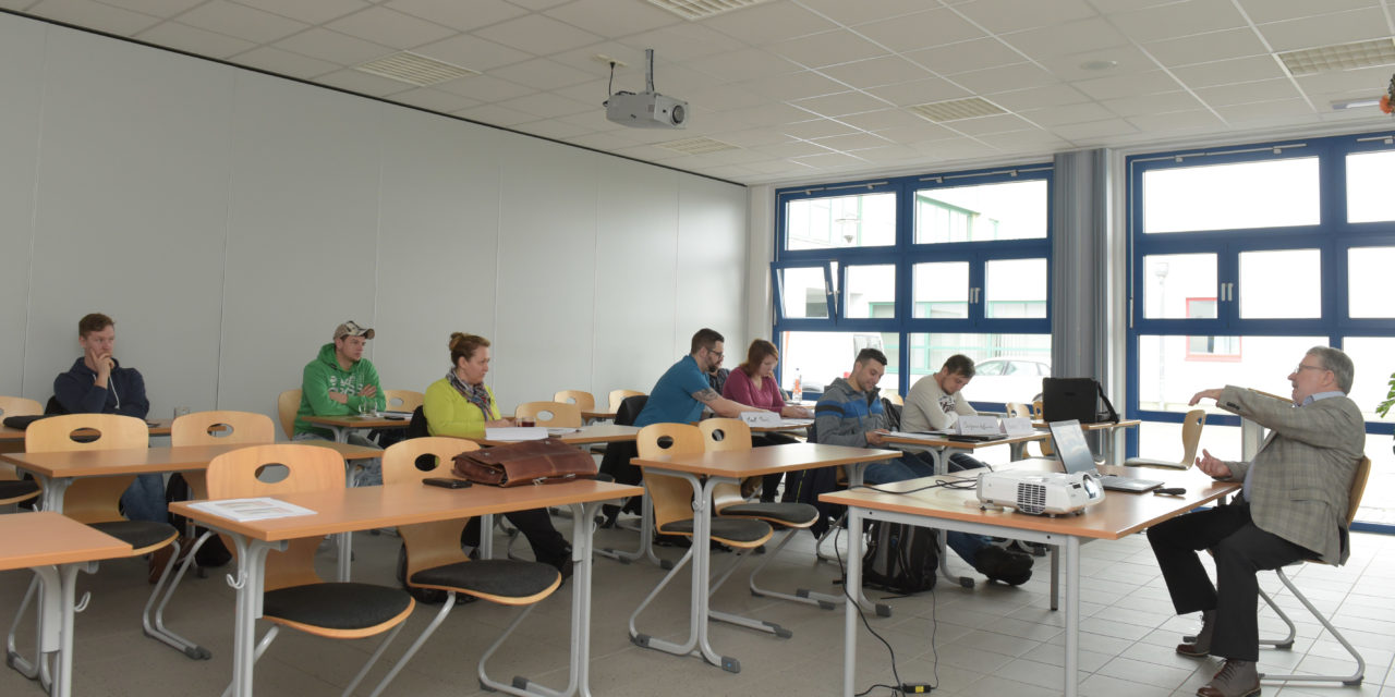 https://www.glascampus.de/wp-content/uploads/2020/07/045_GlasCampus-Foto-02-1280x640.jpg